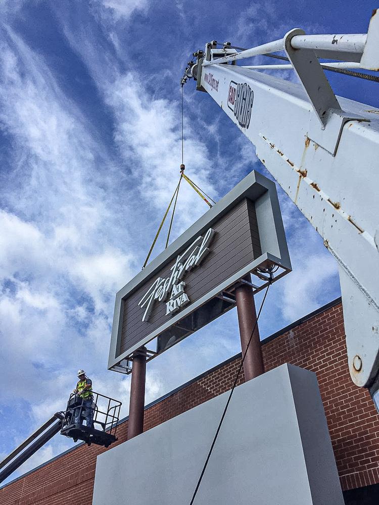 Pylon Signs Installations